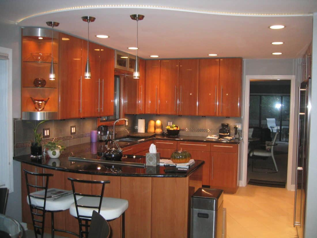 50-Lakewood-Kitchen-Night-1100x825.jpg